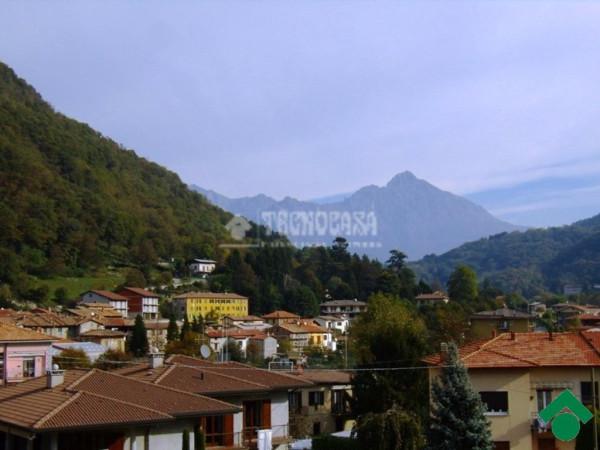 Bilocale Valbrona Via Roma 8