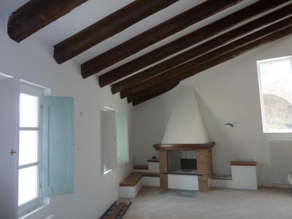 Villa in Vendita a Savona Centro: 5 locali, 230 mq