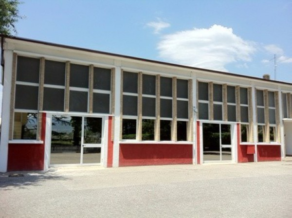 Negozio / Locale in vendita a Spello, 2 locali, prezzo € 155.000 | Cambio Casa.it