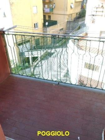 Bilocale Genova Via Pasquale Berghini 13