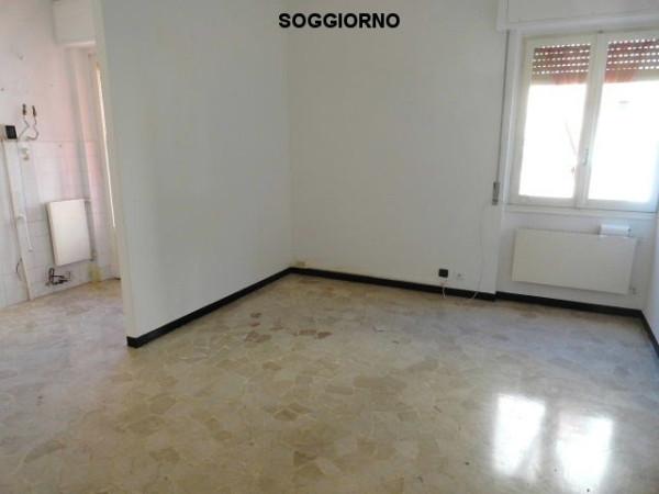 Bilocale Genova Via Pasquale Berghini 2
