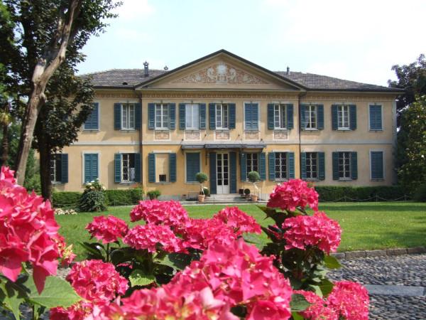 Villa in vendita a Gallarate, 6 locali, Trattative riservate | CambioCasa.it
