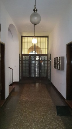 Bilocale Bologna Via San Vitale 1