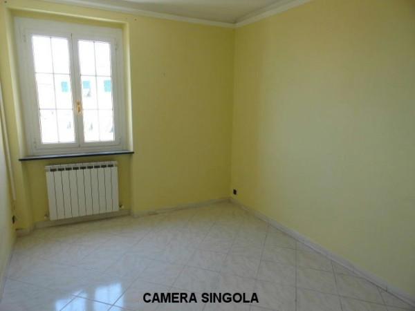 Bilocale Genova Via Olivieri Angelo 9