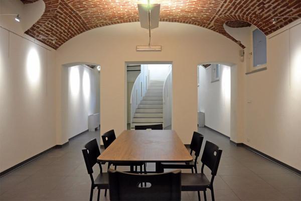 Negozio-locale in Vendita a Torino Semicentro Est: 4 locali, 215 mq