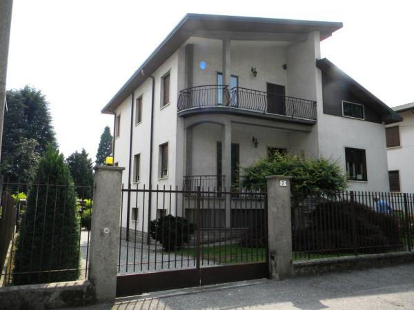 Villa in vendita a Gallarate, 5 locali, prezzo € 298.000 | Cambio Casa.it
