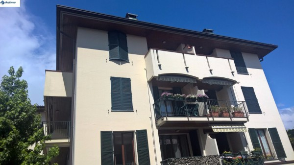 Appartamento in vendita a Carate Brianza, 2 locali, prezzo € 74.000   Cambiocasa.it