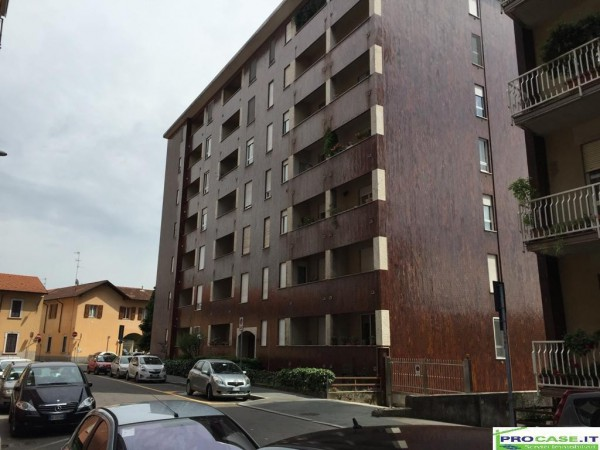 Bilocale Saronno Via Filippo Reina 3