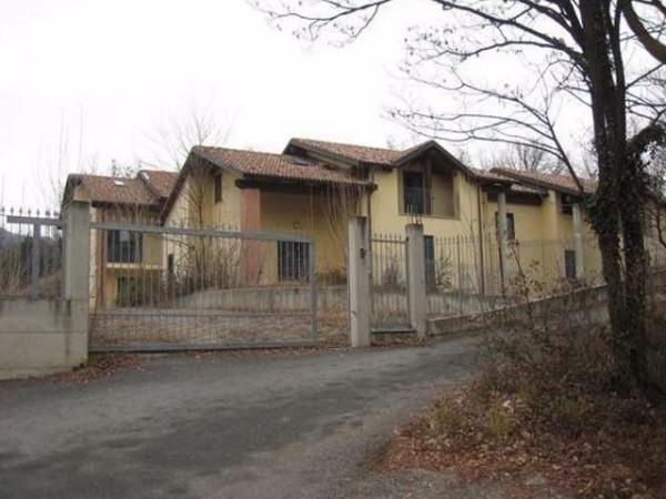 Immobile Commerciale in vendita a Avigliana, 6 locali, prezzo € 165.000 | Cambio Casa.it