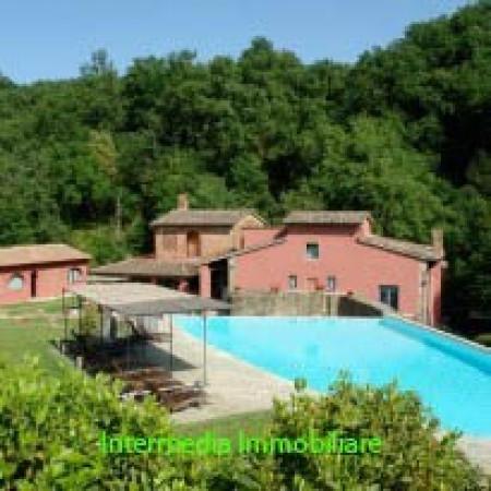 Rustico / Casale in vendita a Cavriglia, 6 locali, Trattative riservate | Cambio Casa.it