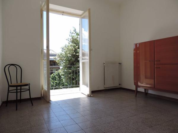 Bilocale Genova Via Paolo Della Cella 8