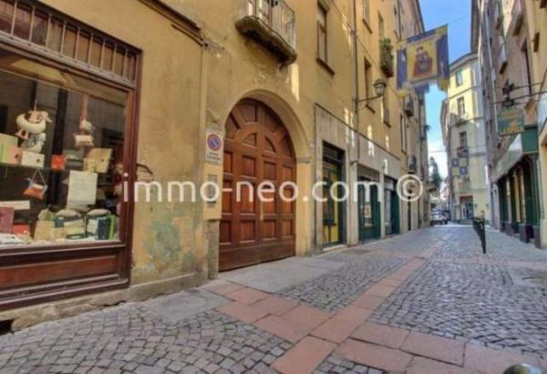 Bilocale Torino Via Mercanti 10