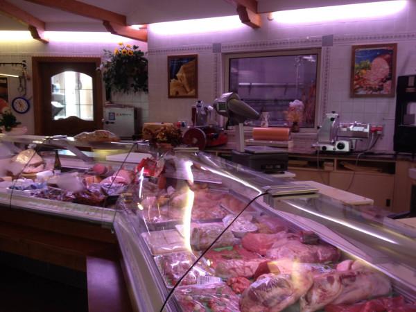 Negozio / Locale in vendita a Molinella, 4 locali, prezzo € 50.000   Cambio Casa.it