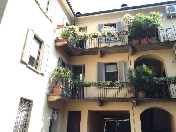 Bilocale Monza Via Cortelonga 1