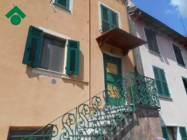 Bilocale Genova Via Cremeno, 10 12