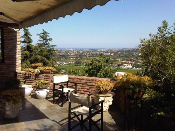 Villa in Vendita a Rimini Centro: 5 locali, 800 mq