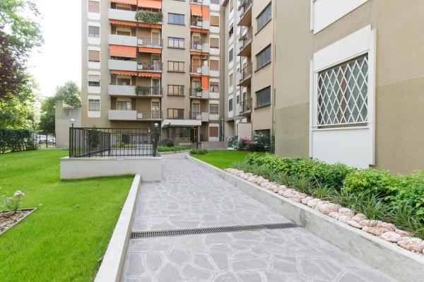 Bilocale Milano Via Capo Palinuro 1
