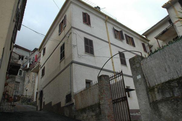 Appartamento in vendita a Morolo, 5 locali, prezzo € 51.000 | Cambiocasa.it