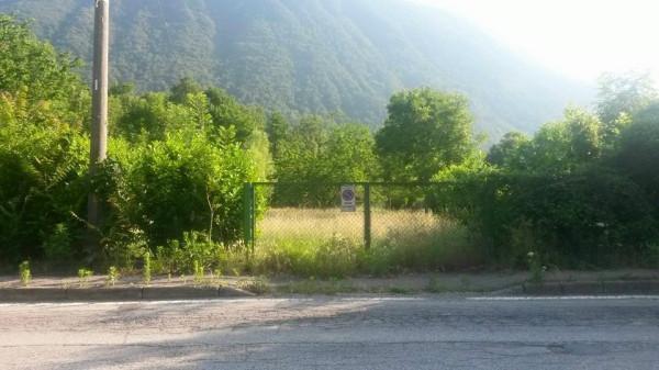 terreno edificabile  in Vendita a Laveno-mombello