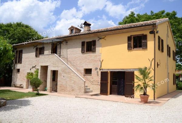 Rustico / Casale in vendita a Corinaldo, 6 locali, prezzo € 685.000 | CambioCasa.it