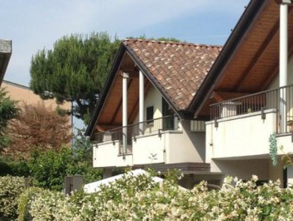 Villa in vendita a Ternate, 5 locali, prezzo € 260.000 | Cambio Casa.it