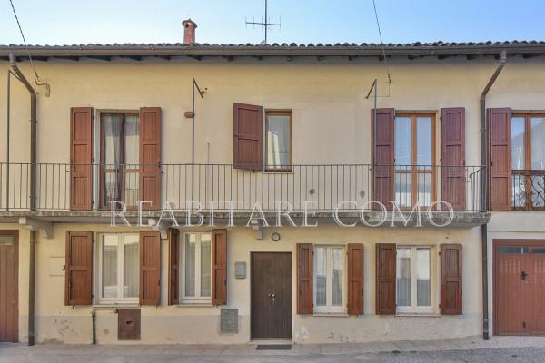 Bilocale Albavilla Via Saruggia 1