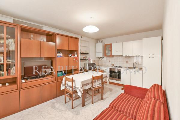 Bilocale Albavilla Via Saruggia 2
