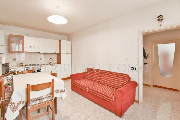 Bilocale Albavilla Via Saruggia 4