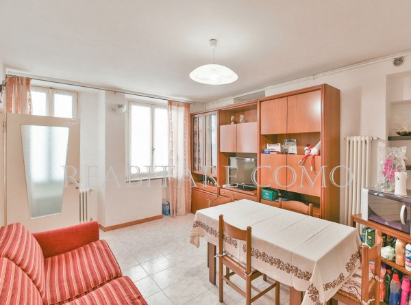 Bilocale Albavilla Via Saruggia 6