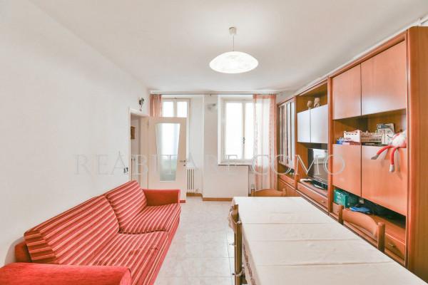 Bilocale Albavilla Via Saruggia 7