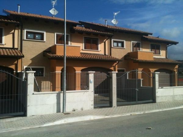 Villa a Schiera in vendita a Scurcola Marsicana, 6 locali, Trattative riservate   Cambio Casa.it