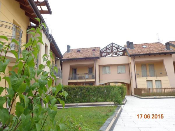 Appartamento in vendita a Castelvetro Piacentino, 6 locali, prezzo € 190.000 | Cambio Casa.it