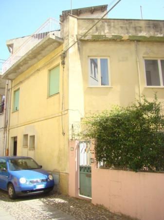 Soluzione Indipendente in vendita a Dorgali, 5 locali, prezzo € 80.000 | Cambio Casa.it