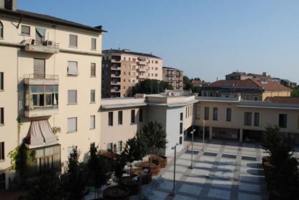 Bilocale Pavia Piazza Dante Alighieri 12