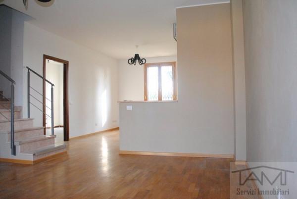 Appartamento in vendita a Rodano, 6 locali, prezzo € 350.000 | Cambio Casa.it