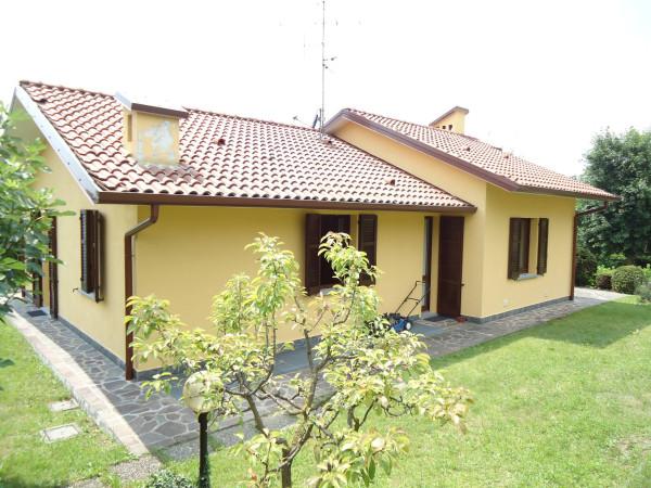 Villa in vendita a Dolzago, 6 locali, Trattative riservate | Cambio Casa.it