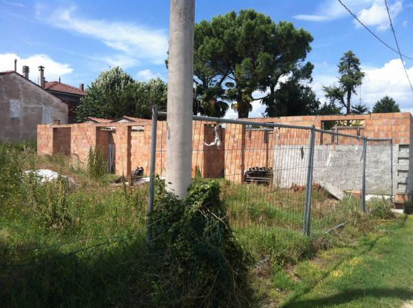 Terreno residenziale in Vendita a Ravenna Periferia Ovest: 800 mq