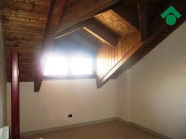Bilocale Volpiano Via Udine 10