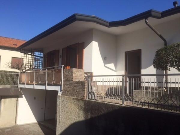 Villa in vendita a Inverigo, 4 locali, prezzo € 298.000 | Cambio Casa.it