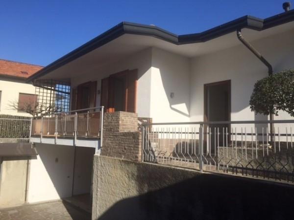 Villa in vendita a Lurago d'Erba, 4 locali, prezzo € 298.000 | Cambio Casa.it