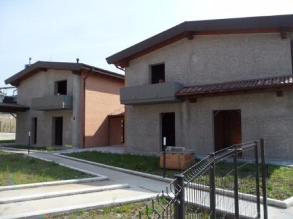 Villa in vendita a Inverigo, 4 locali, prezzo € 1.000 | Cambio Casa.it