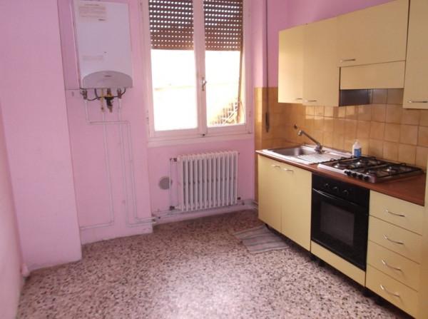 Appartamento in Affitto a Piacenza Semicentro: 1 locali, 50 mq