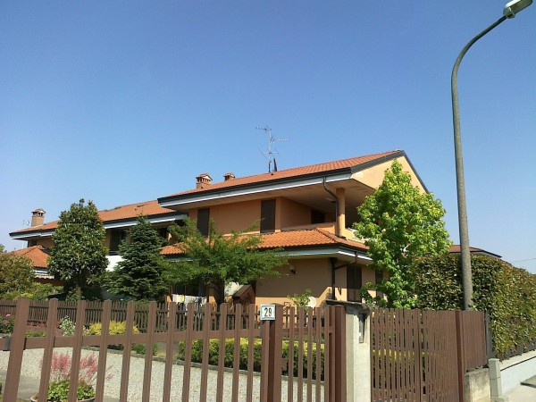 Bilocale Trezzano Rosa Via Garibaldi 1