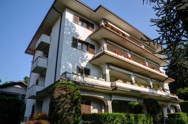 Appartamento in vendita a Stresa, 3 locali, prezzo € 230.000   Cambio Casa.it