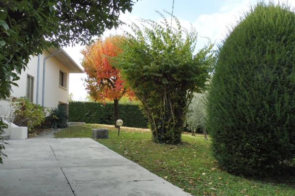 Villa in vendita a Bassano del Grappa, 5 locali, Trattative riservate | Cambio Casa.it