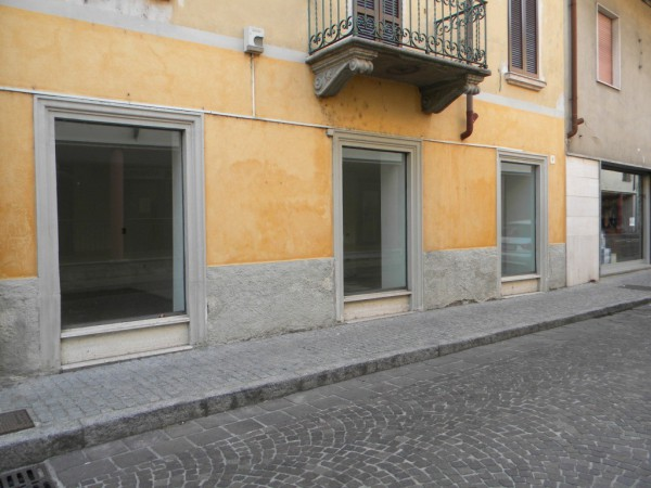 Negozio / Locale in vendita a Fagnano Olona, 2 locali, prezzo € 75.000 | Cambio Casa.it