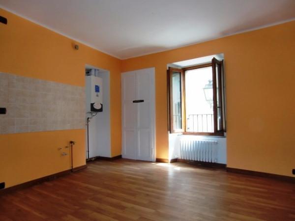 Appartamento in vendita a Canzo, 2 locali, prezzo € 78.000 | Cambio Casa.it