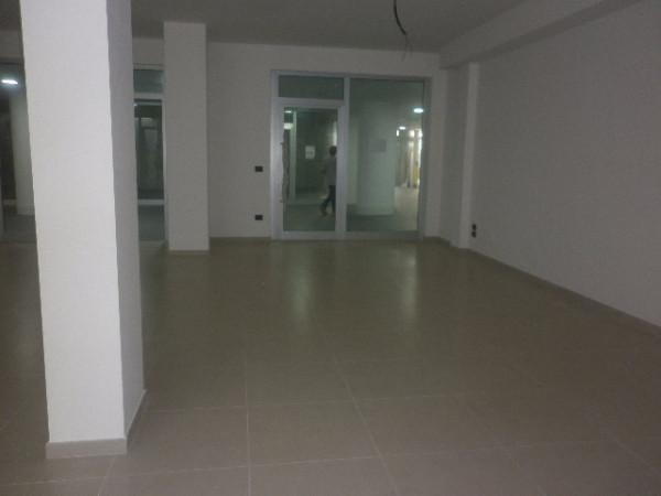 Negozio / Locale in affitto a Baronissi, 1 locali, prezzo € 650 | Cambio Casa.it