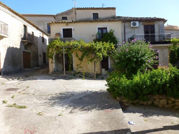Soluzione Indipendente in vendita a Gerace, 6 locali, Trattative riservate | CambioCasa.it
