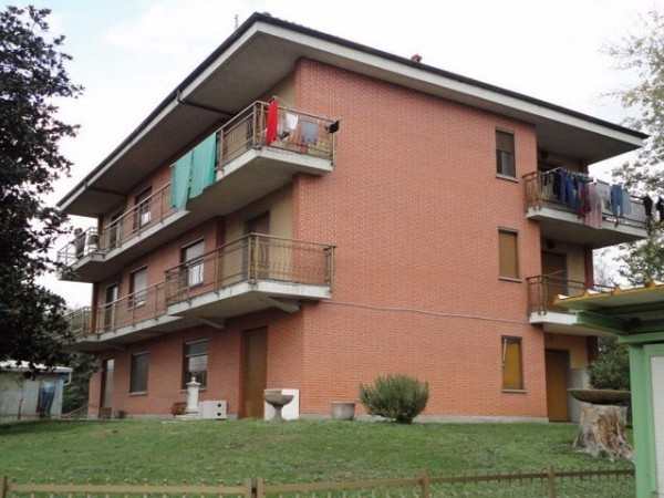 Palazzo / Stabile in vendita a Leini, 6 locali, prezzo € 140.000 | Cambio Casa.it